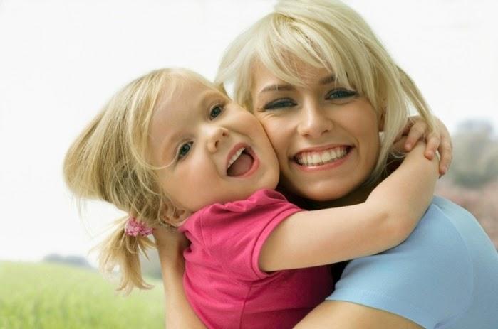 Ребёнок и мать