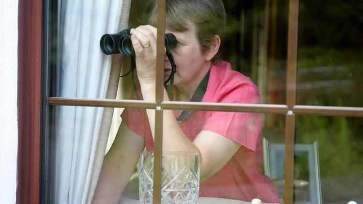 Хорошо ли «шпионить» за собственными детьми?